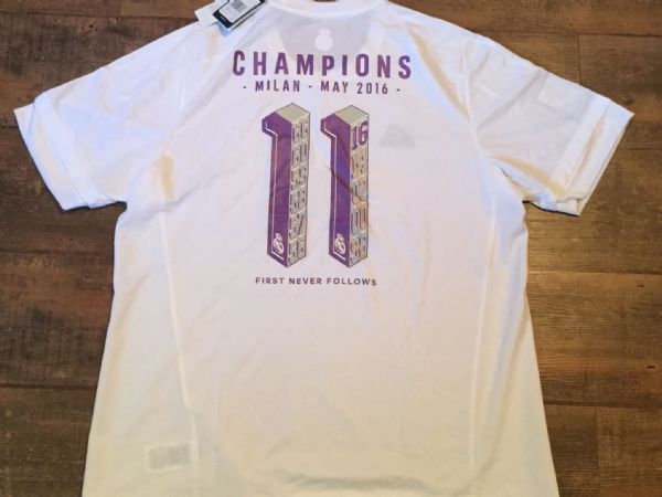 2016 Real Madrid BNWT Champions League Winners Football Shirt Adults XL